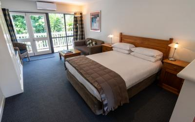 Baycrest Lodge  | Baycrest Taupo Motel | Call: Barry & Jody on 07 378 3838