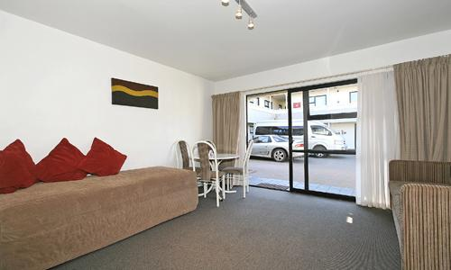 Marksman Motor Inn  | Call: Kevin & Kay on 04 3852499